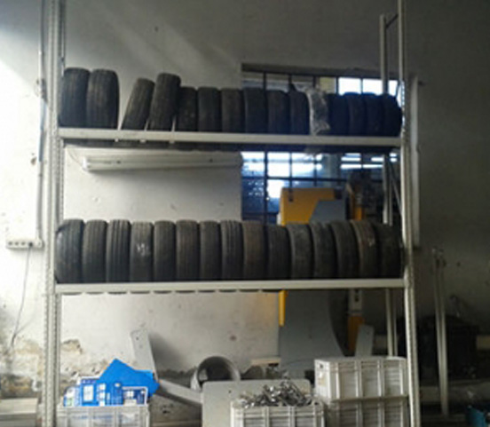 Regal za skladištenje auto guma – RABLJENI REGALI